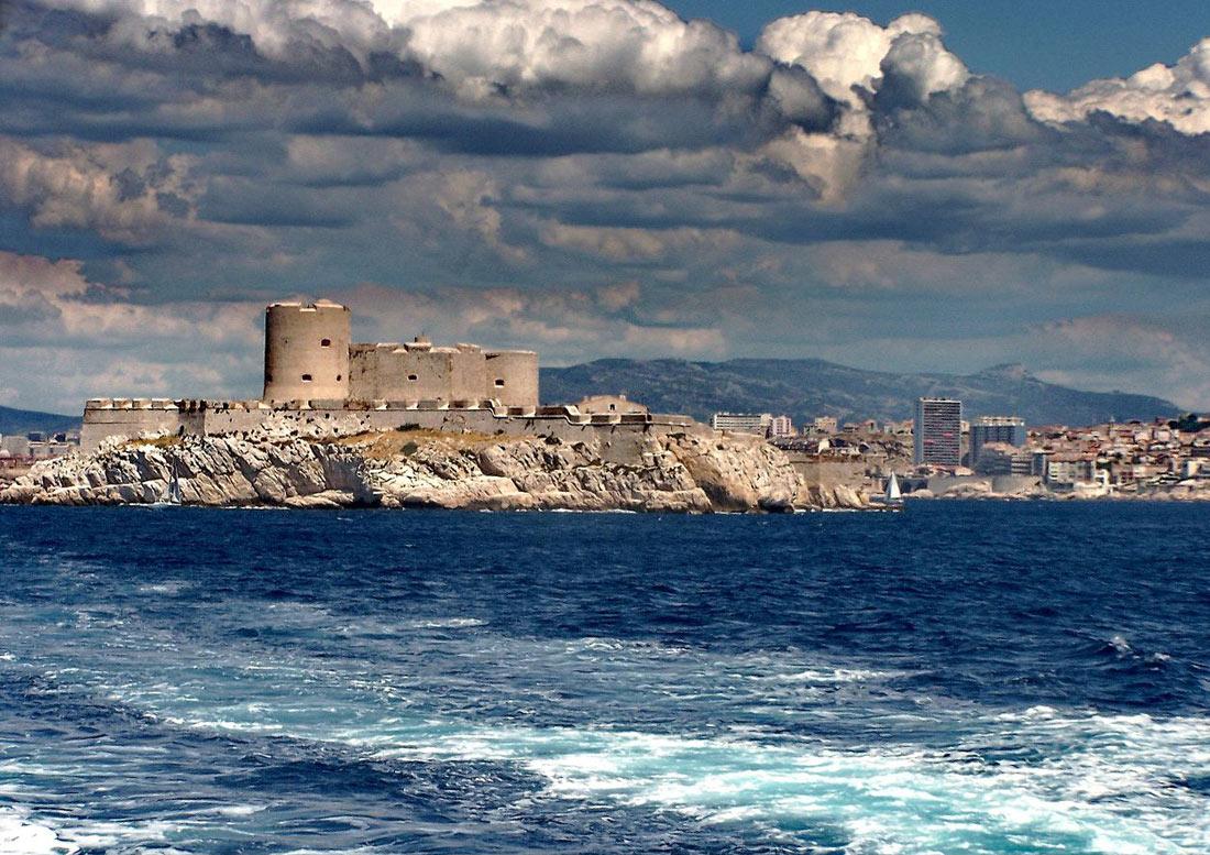 Замок ИФ