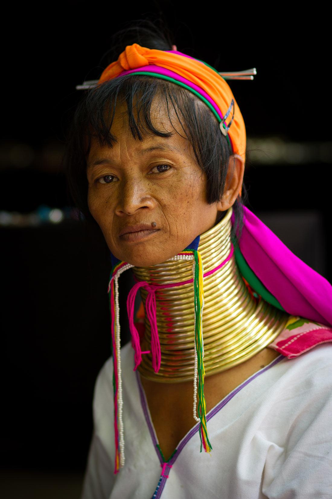 шейные кольца женщин падаунг
