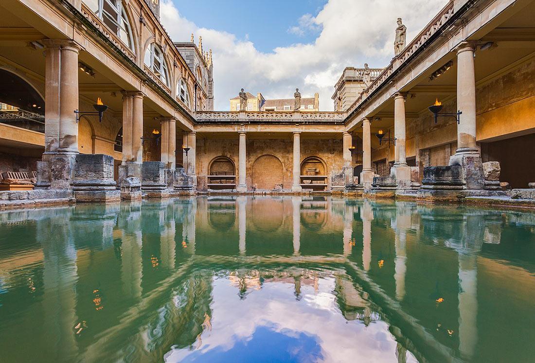 римские бани английского города Бат