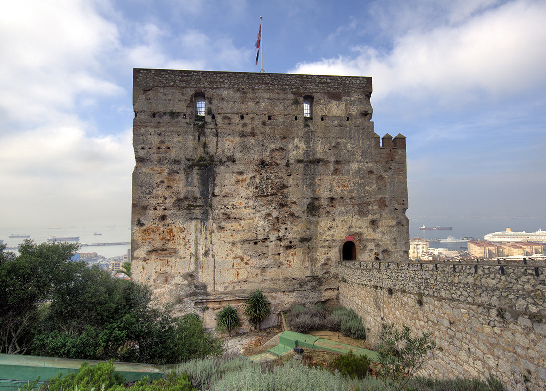 Мавританский замок на скале Гибралтара