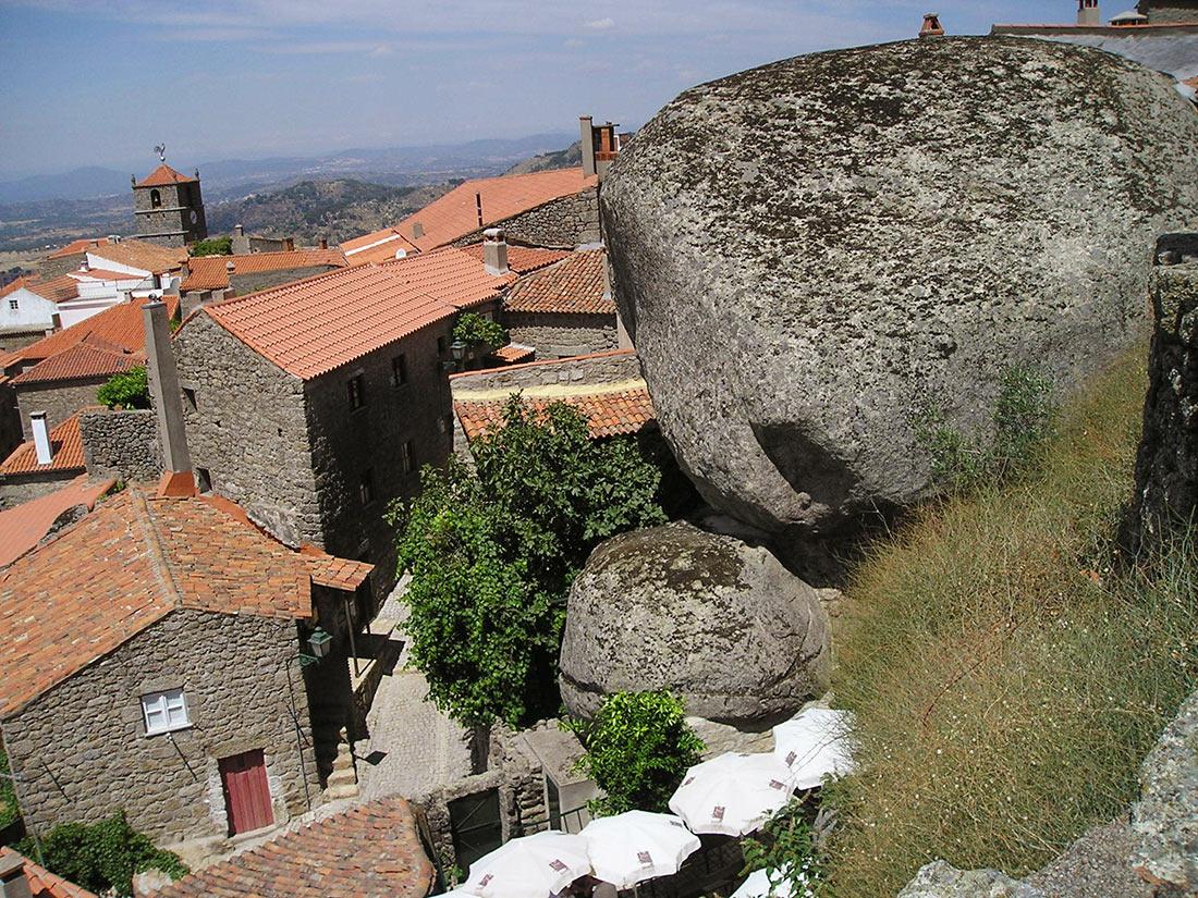 Деревня Монсанто, Португалия