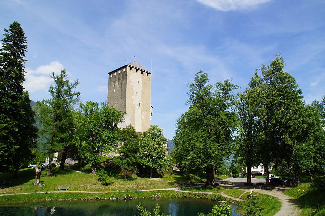 Замок Брук