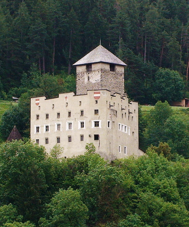 Замок Ландек