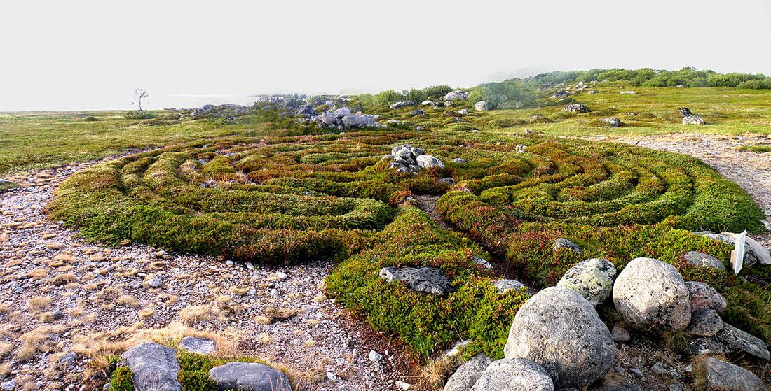 Каменные лабиринты острова Большой Заяцкий