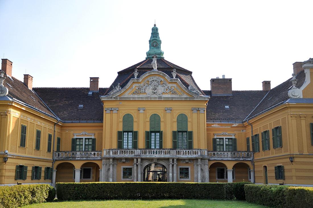 Дворец-музей Надьтетень и музей прикладного искусства