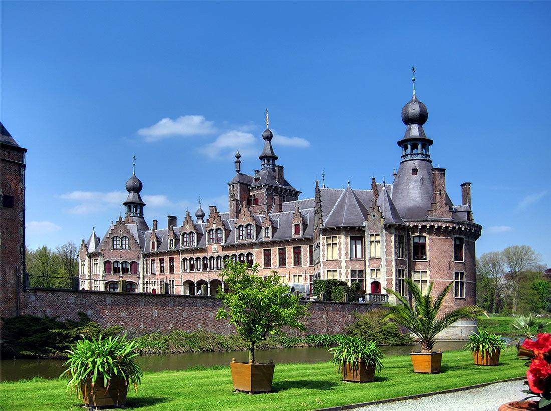 Замок Оойдонк