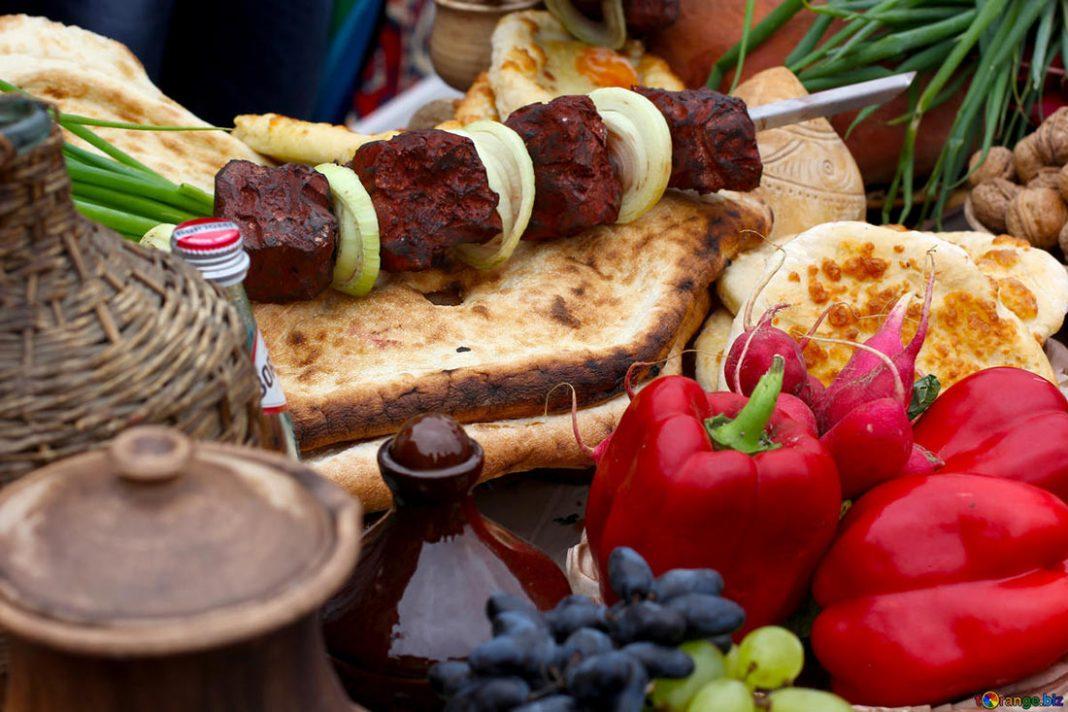 последнего еда в грузии которую обязательно надо попробовать есть