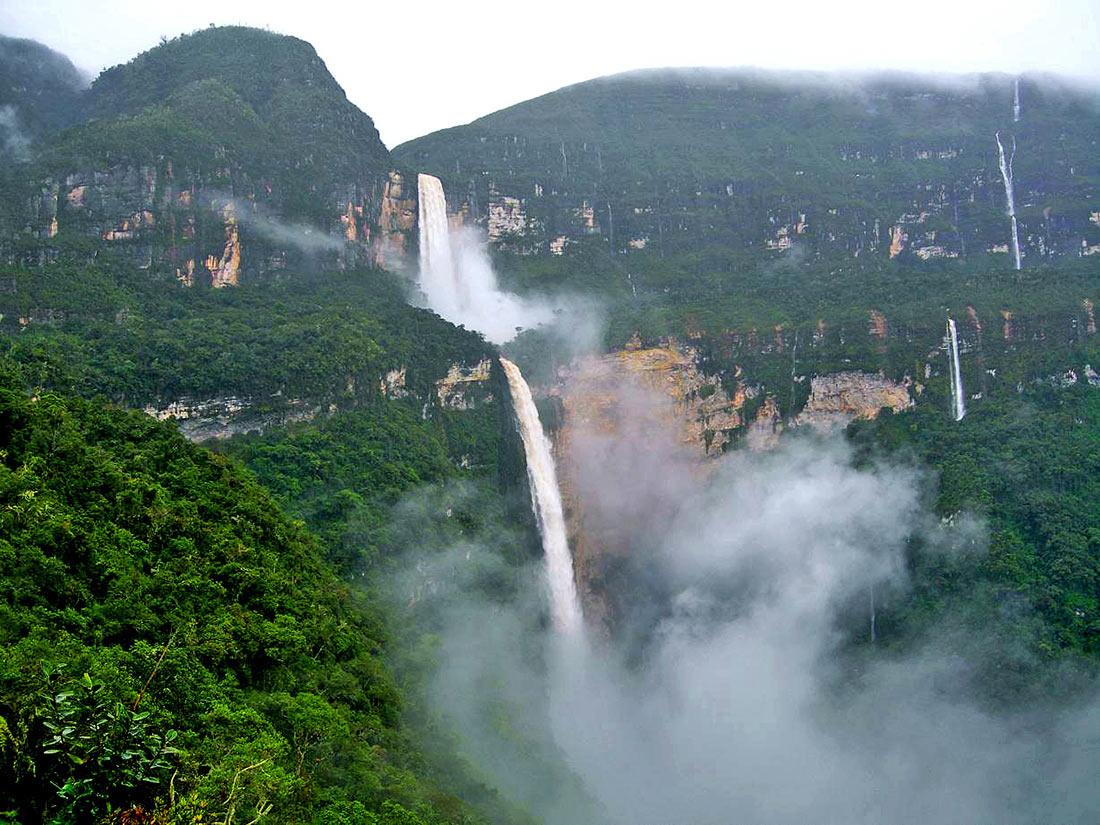 Водопад Гокта