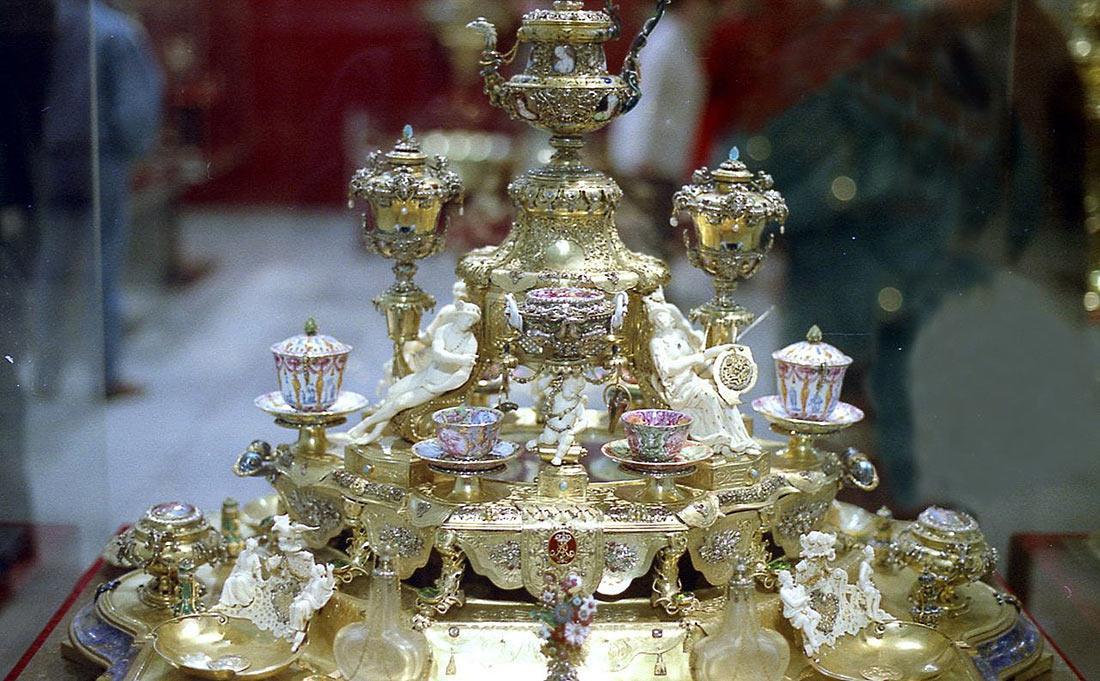 Коллекция драгоценностей Зеленый свод