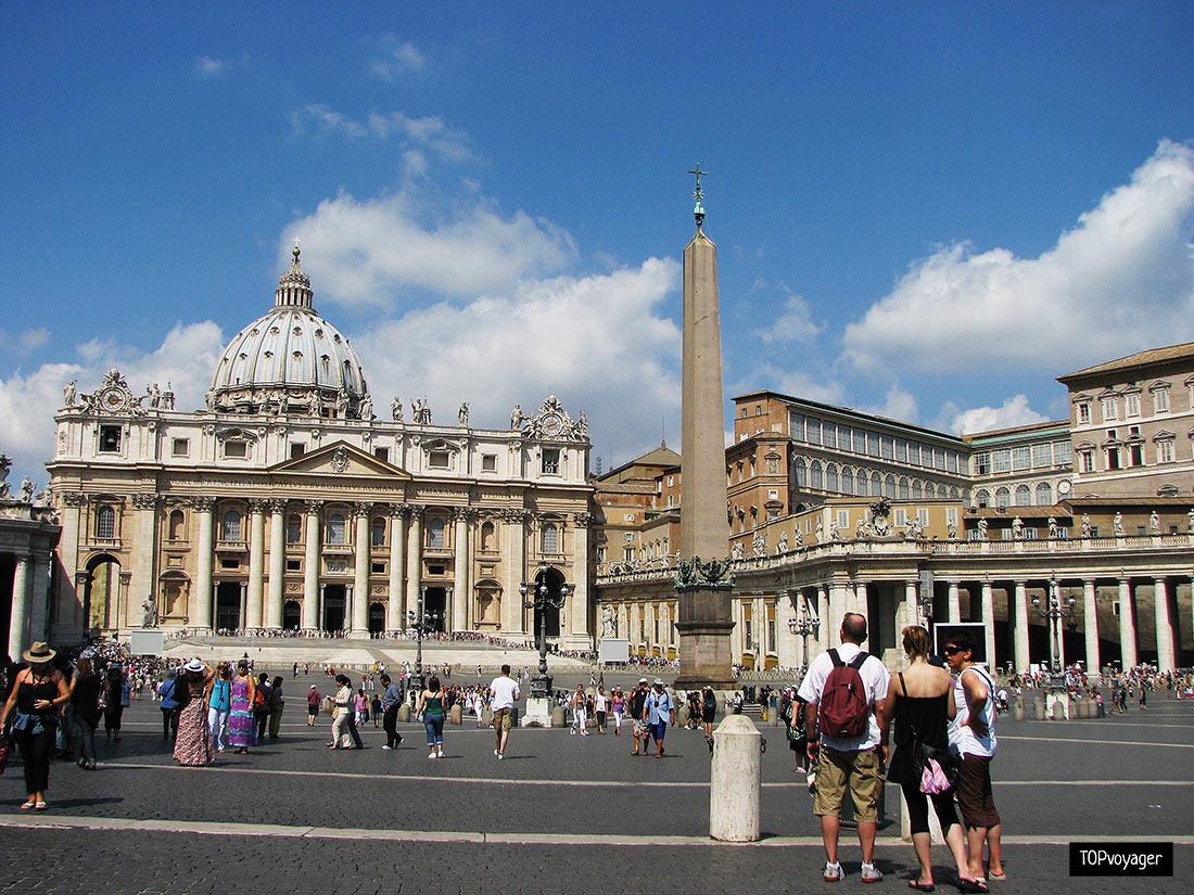 Площадь Святого Петра (Piazza San Pietro)