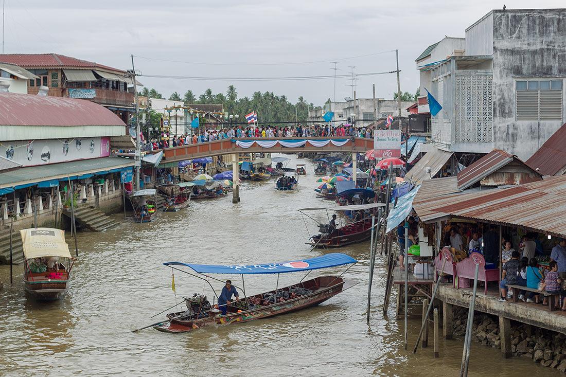 Плавучий рынок Ампхава