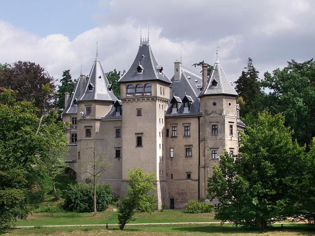 замок Голухув