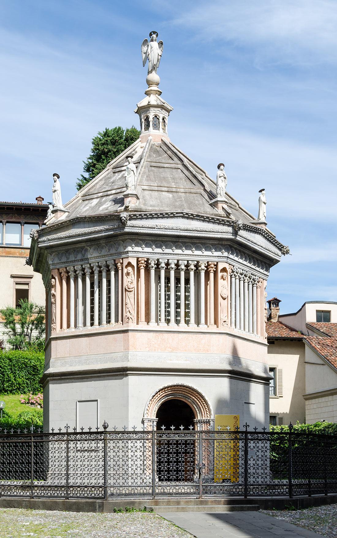 Баптистерий Пресвятой Девы Марии в Бергамо