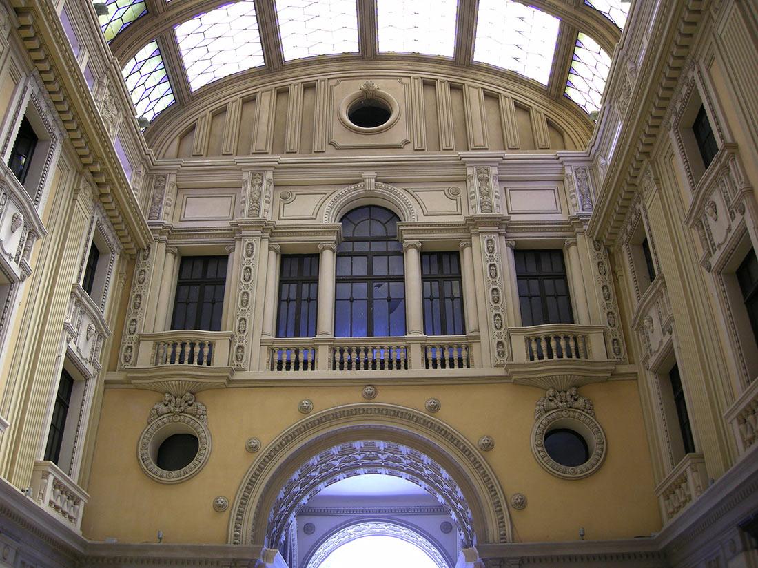 Галерея Виктора Эммануила III в Мессине