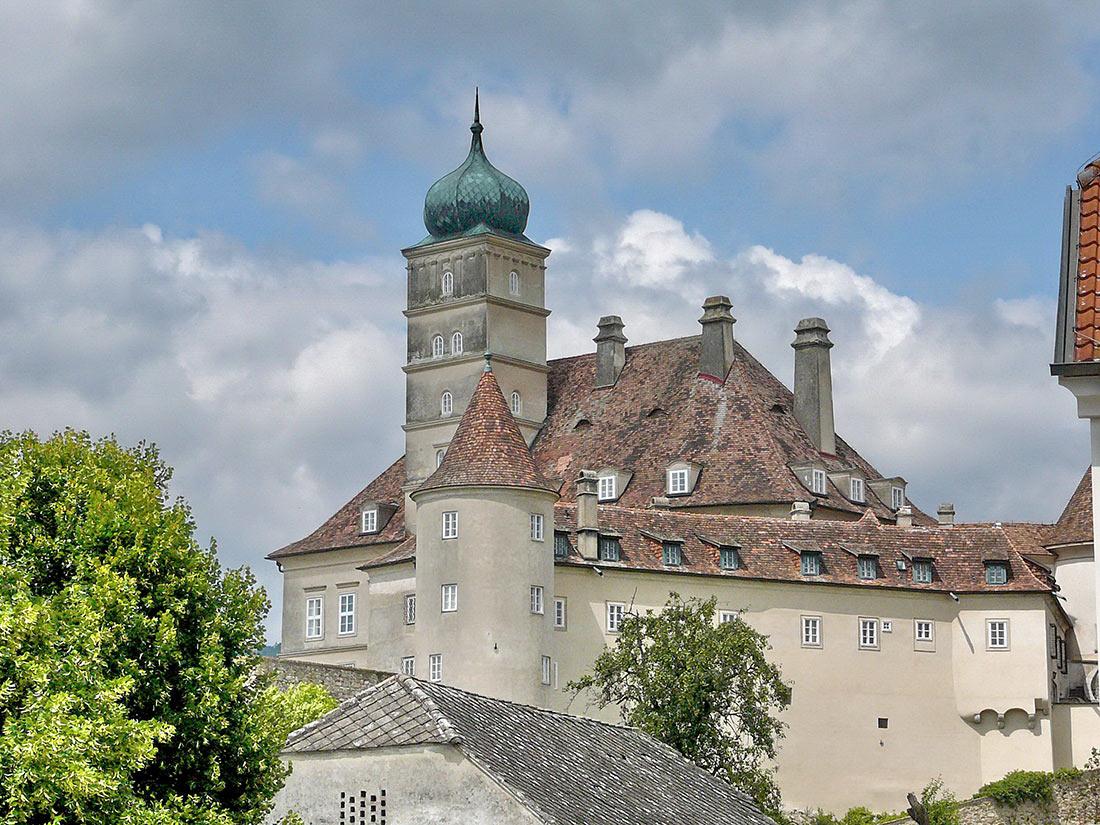 Замок Шёнбюэль
