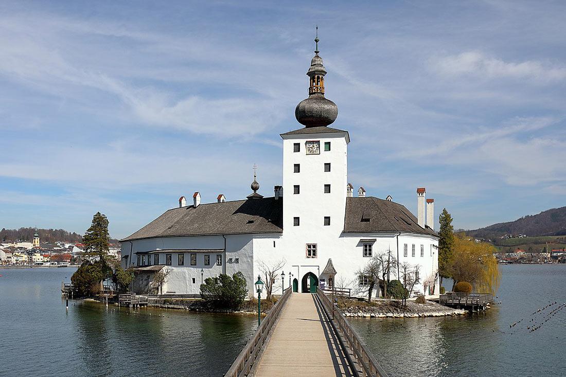 Замок Орт