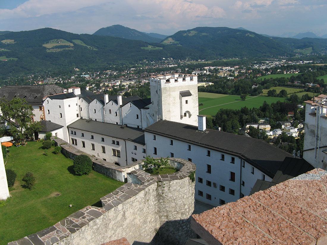 Замок Хоэнзальцбург