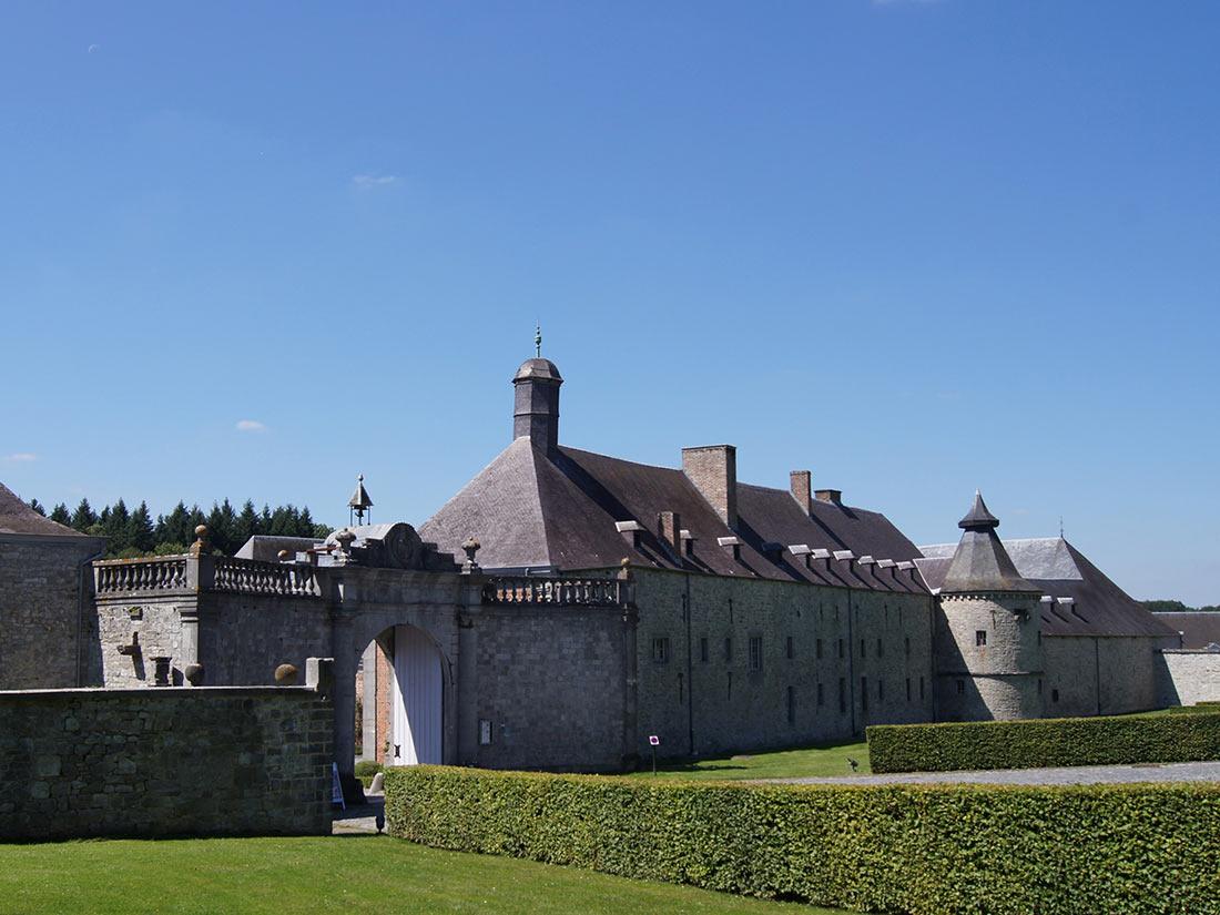 Замок Модав