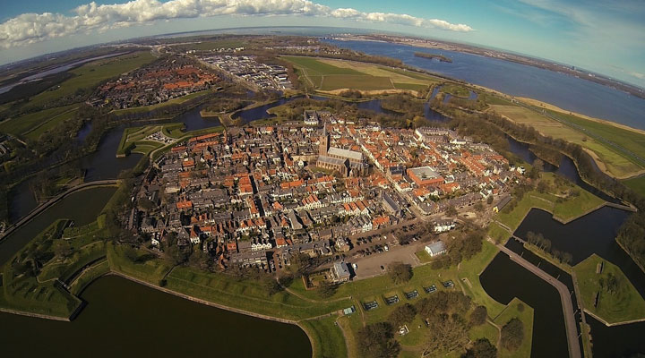 Самые красивые города голландии