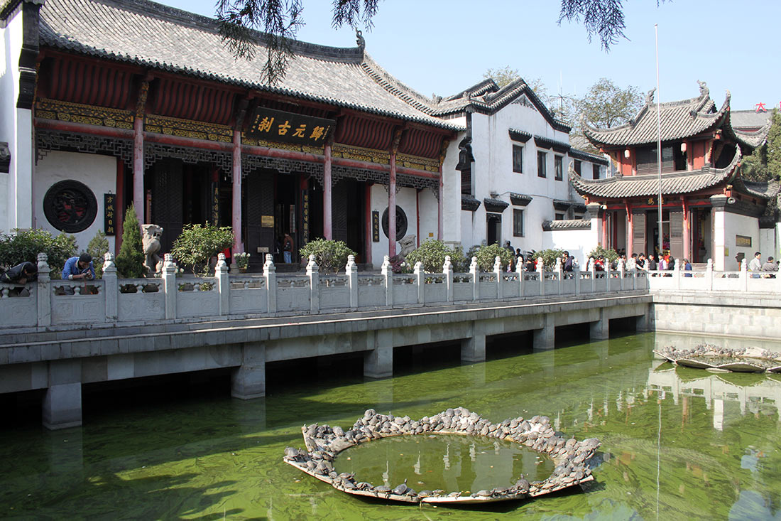 Храм Гуйюаньси