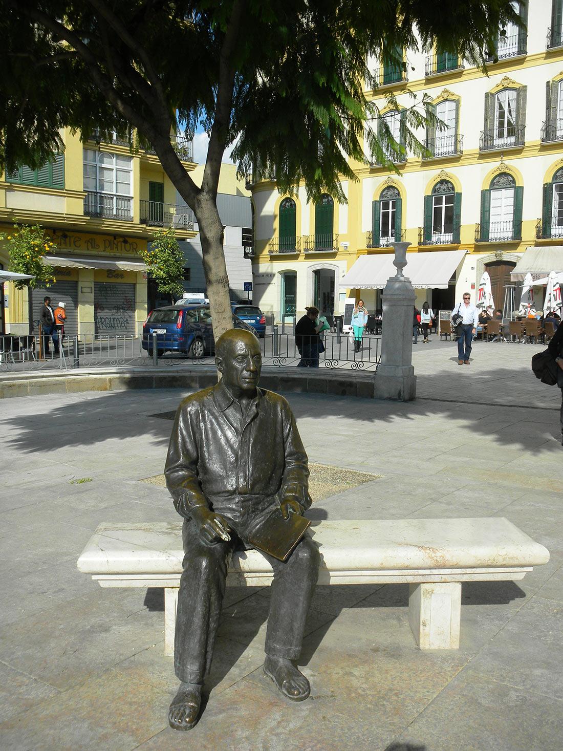 статуя Пикассо Малага