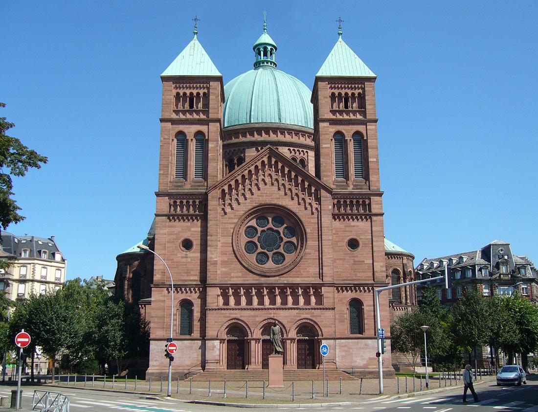 Церковь Сен-Пьер-ле-Жен