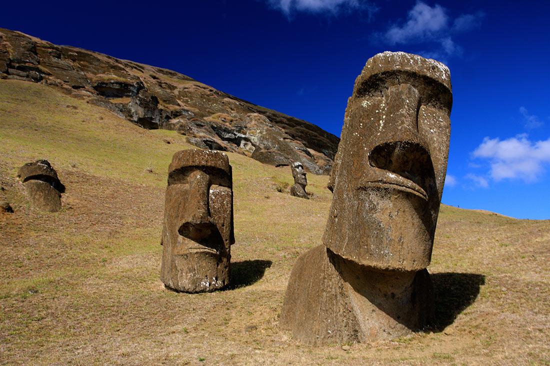 Статуи Моаи на острове Пасхи