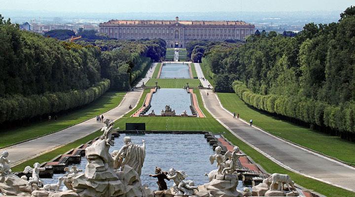 Королевский дворец в Казерте (Reggia di Caserta)