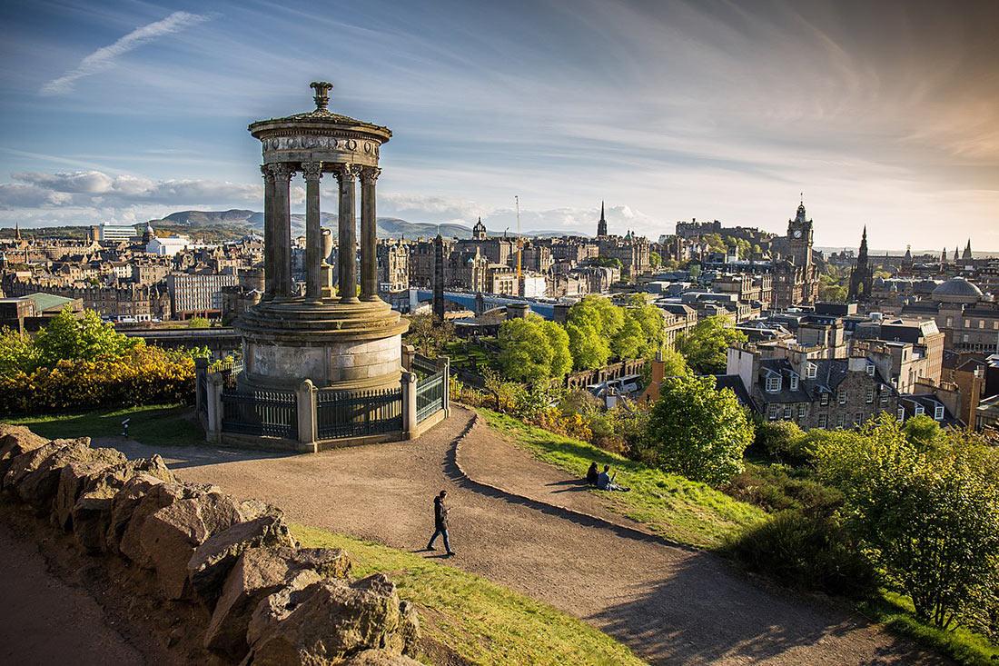 Калтон-Хилл и шотландский национальный памятник (Calton Hill and the Scottish National Monument)