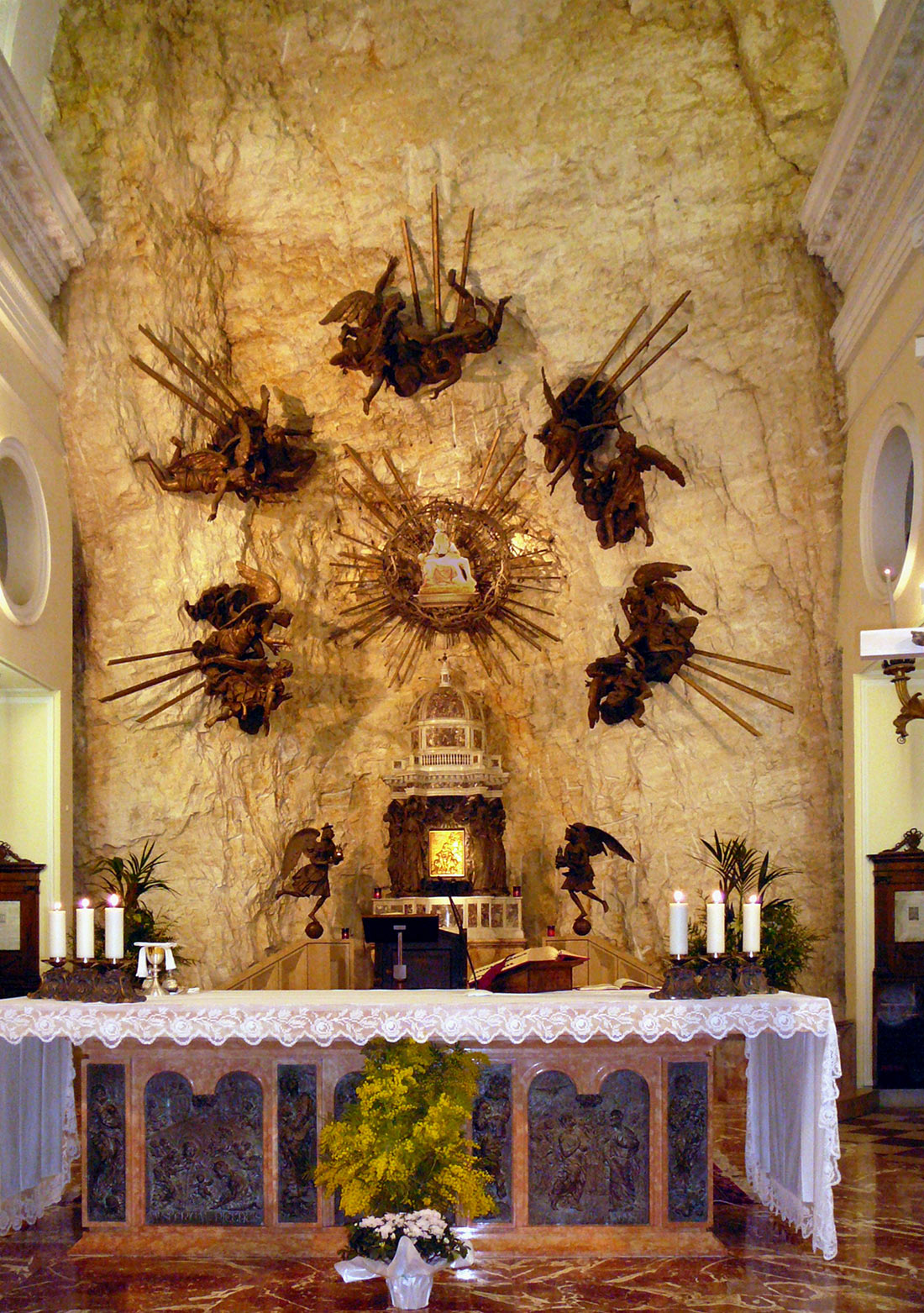Церковь Мадонна делла Корона (Santuario Madonna della Corona)