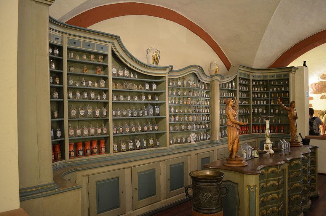 Музей аптечного дела в замке