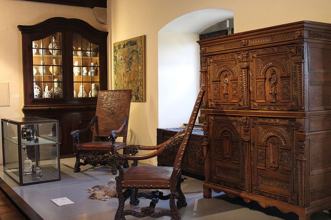 Экспонаты замкового музея