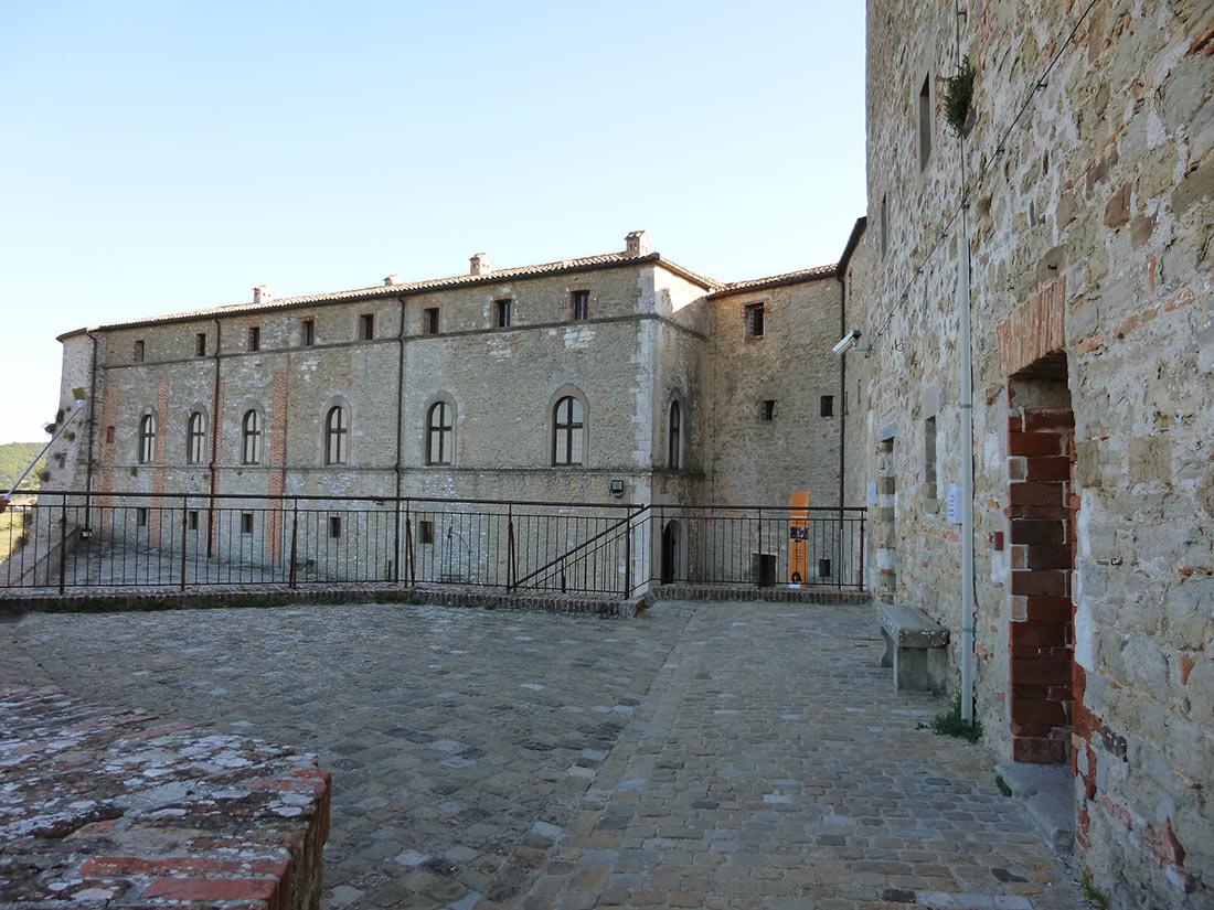 Третий плац крепости Сан-Лео