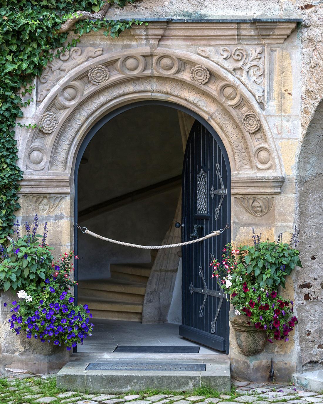Вход в башню замка Лауэнштайн
