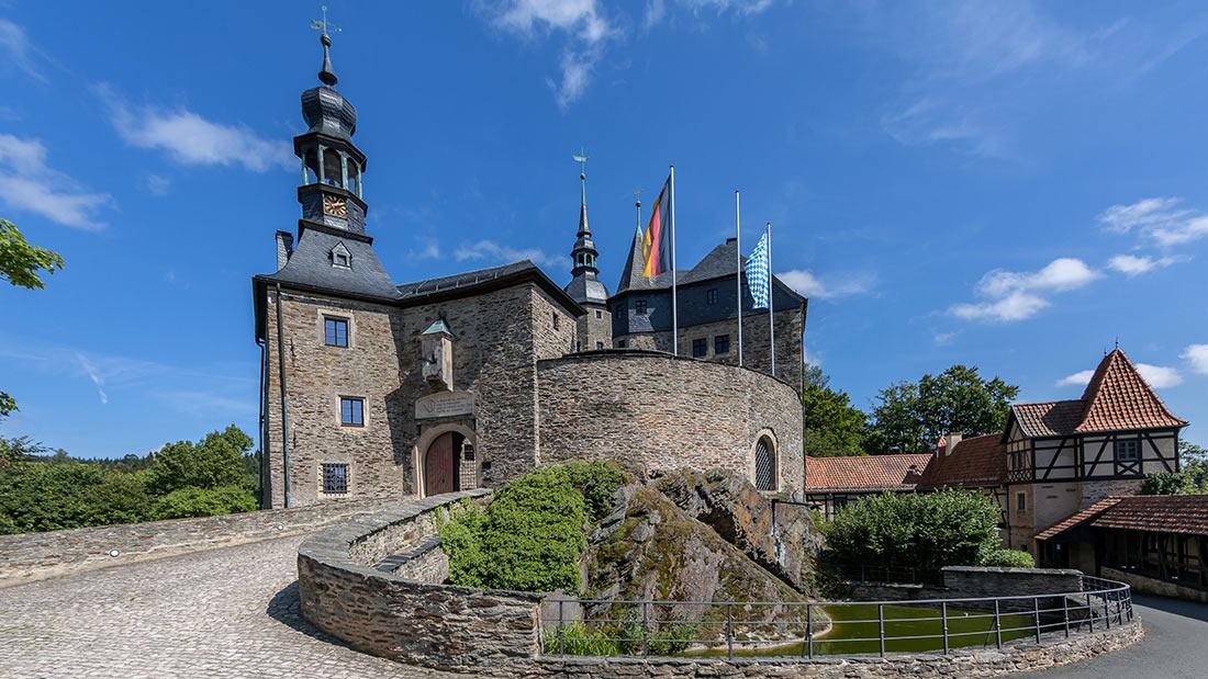 Западный вход в замок Лауэнштайн